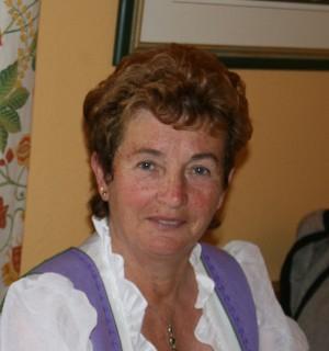 Widmung des Arnoweg an Maria Bergner