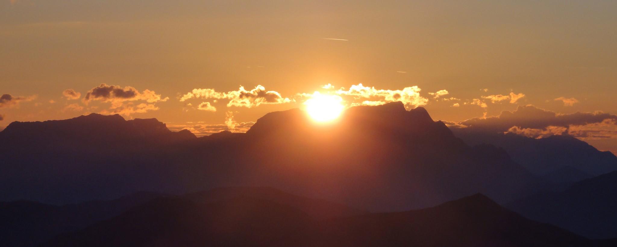 Arnoweg: Sonnenaufgang am Gaisstein