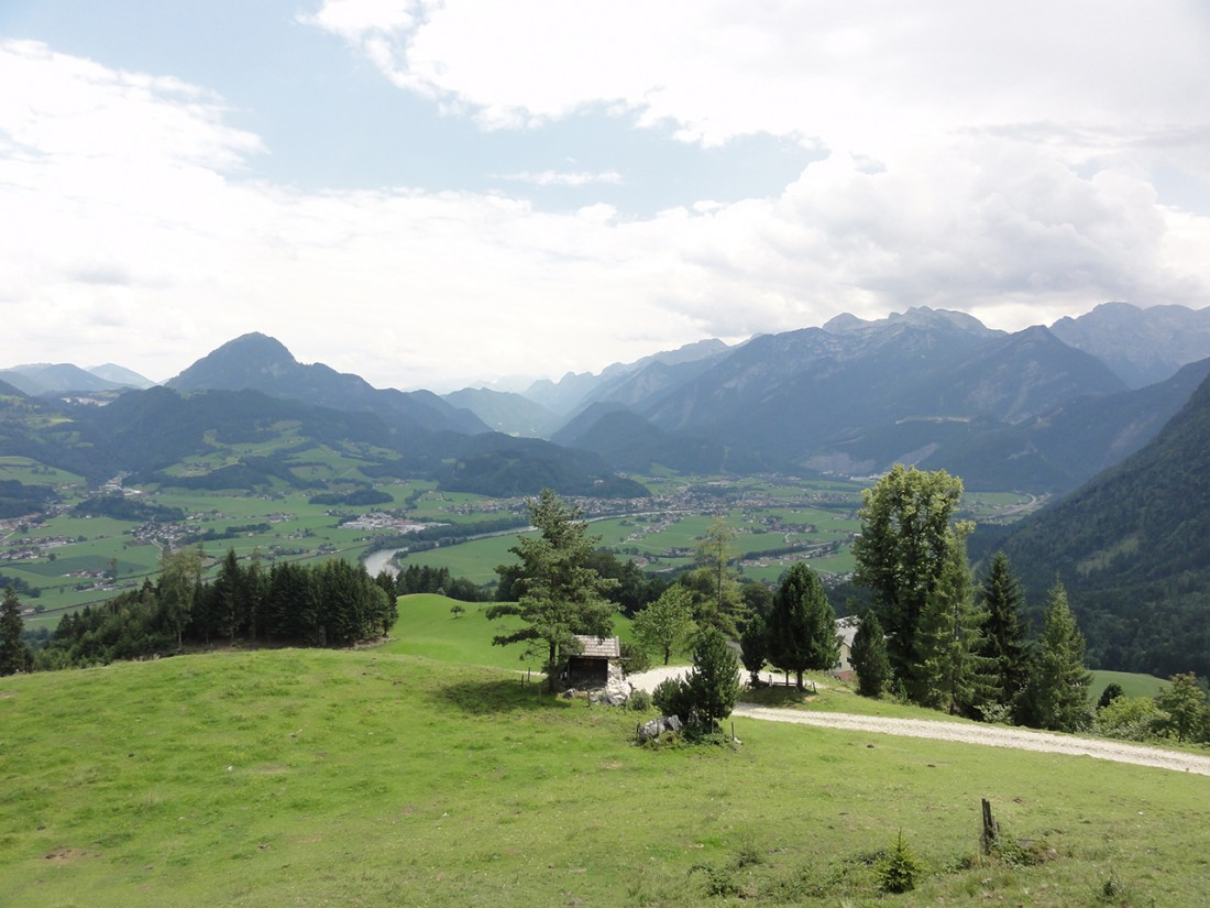 Arnoweg: Ausblick über Golling an der Salzach