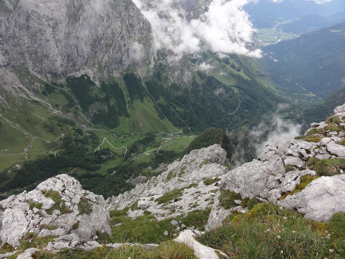 Arnoweg: Blick über die Jochalmen und das Bluntautal bis Golling