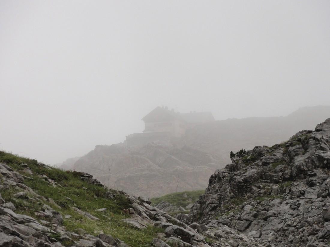Arnoweg: Das Ingolstädter Haus in den Wolken