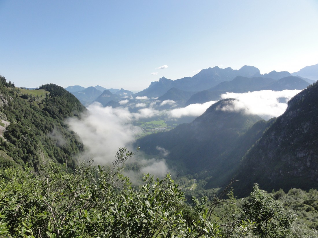 Arnoweg: Blick über Lofer und die Reiter Alpe im Hintergrund