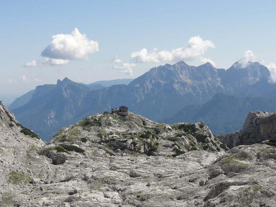 Arnoweg: Blick zurück zur Schmidt-Zabier-Hütte vor der Reiter Alpe