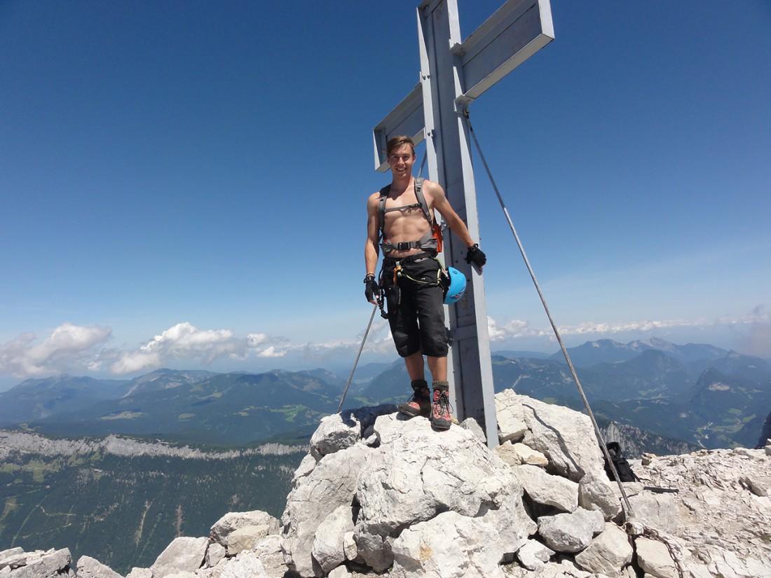 Arnoweg: Am Gipfelkreuz des Großen Hinterhorn (2506 m)