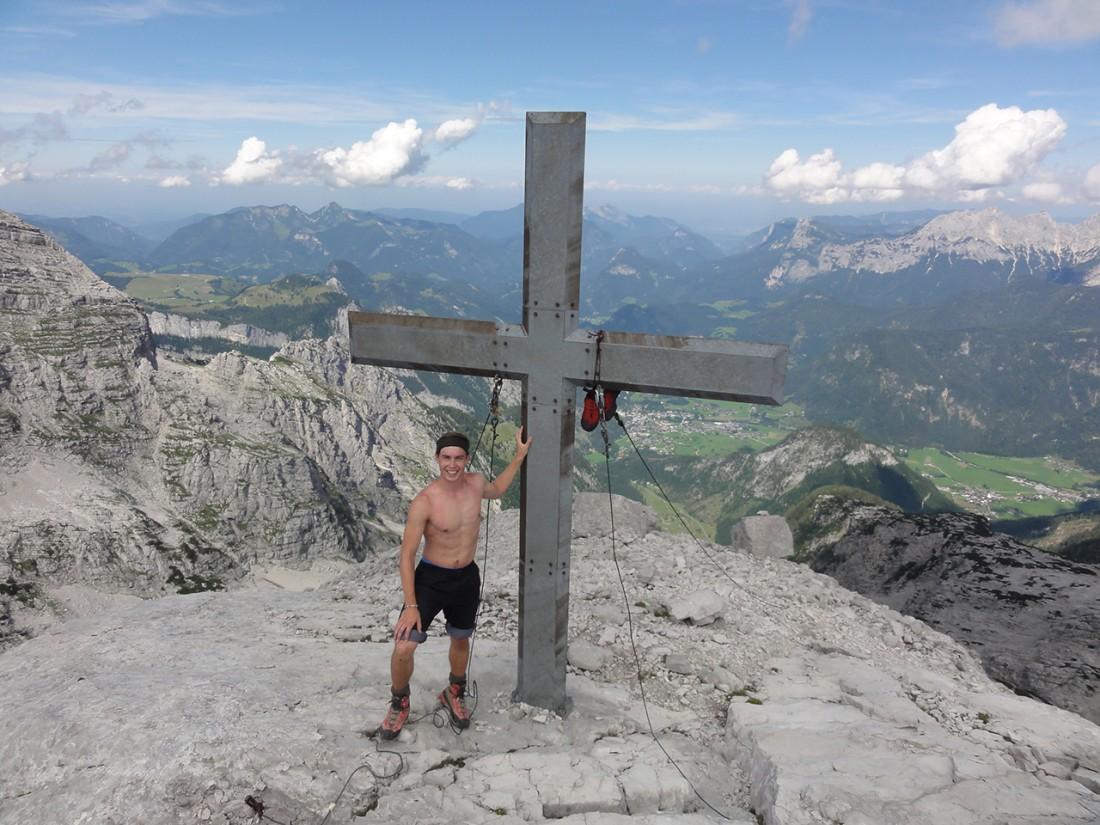 Arnoweg: Am Gipfelkreuz des Großen Reifhorn (2488 m)