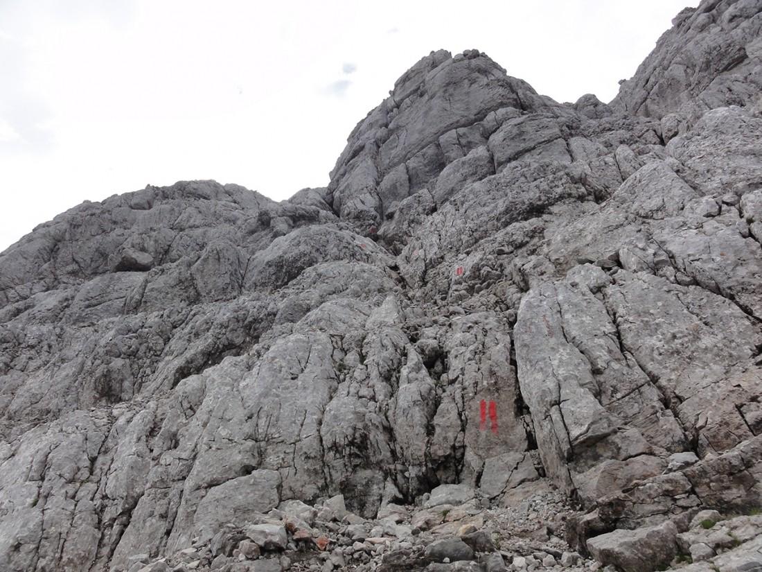 Arnoweg: Der gut markierte Steig auf das Ochsenhorn (2511 m)