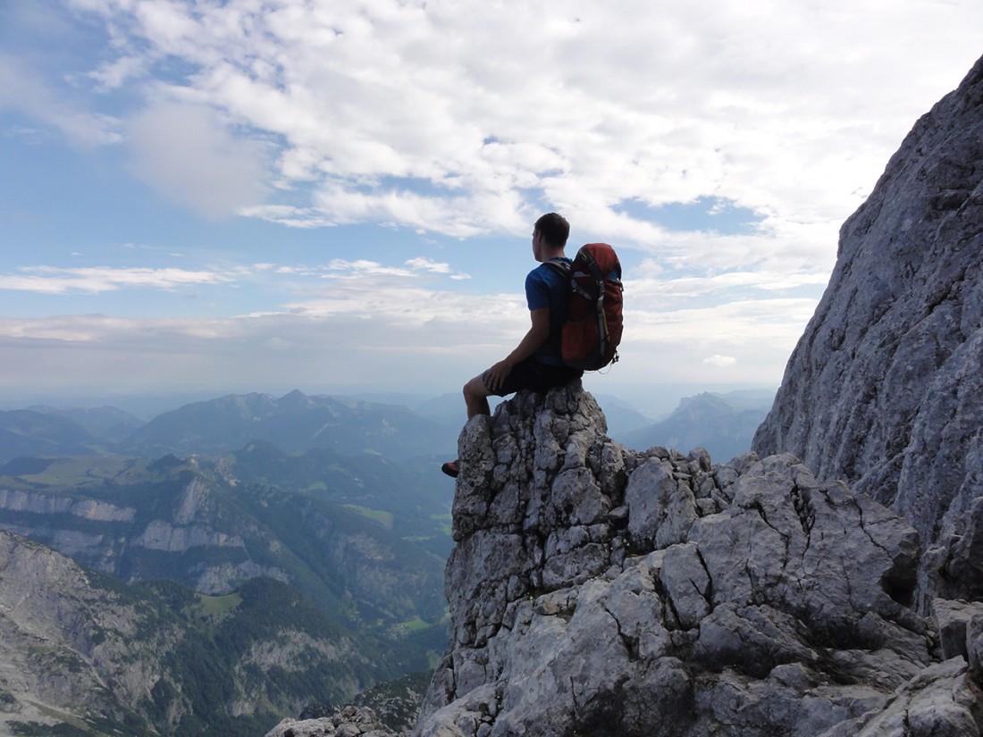 Arnoweg: Der Ausblick kurz vor dem Gipfel des Ochsenhorns ist großartig