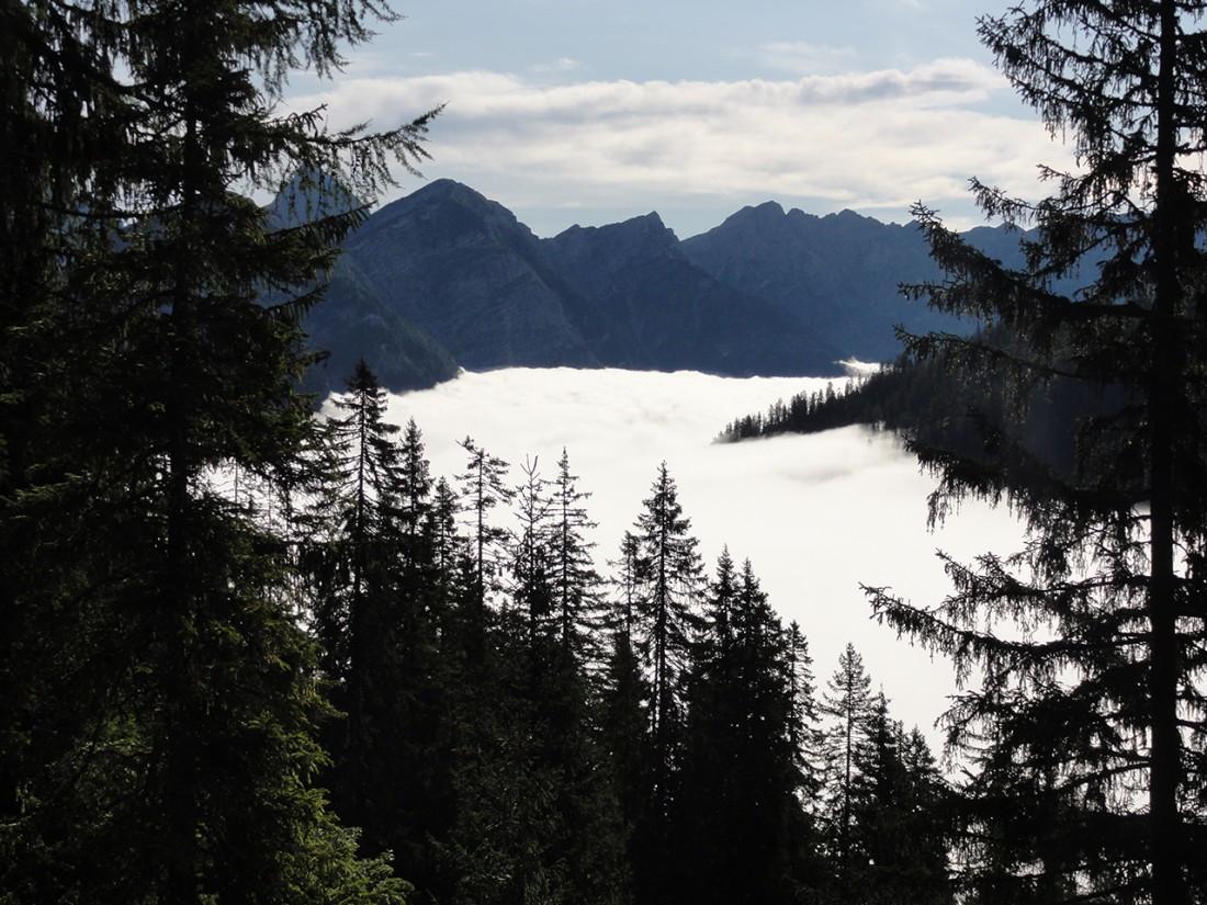 Arnoweg: Über dem Wolkenmeer mit Blick Richtung Steinernes Meer