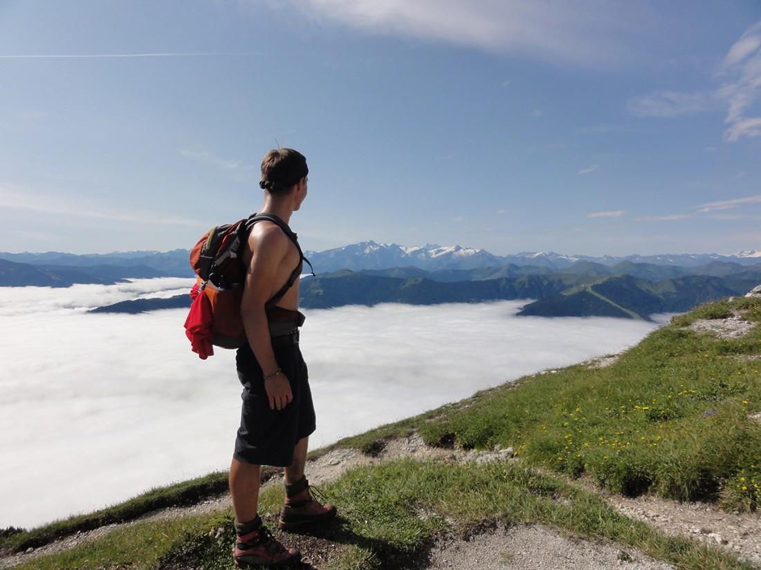 Arnoweg: Wolkenmeer über dem Saalfeldener Becken kurz vor der Passauer Hütte