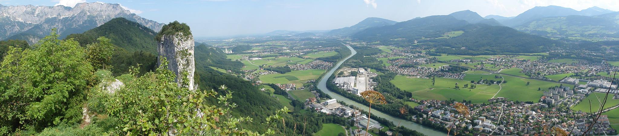 Arnoweg: Ausblick vom Kleinen auf den Großen Barmstein bei Hallein mit Blick über das Salzachtal Richtung Salzburg