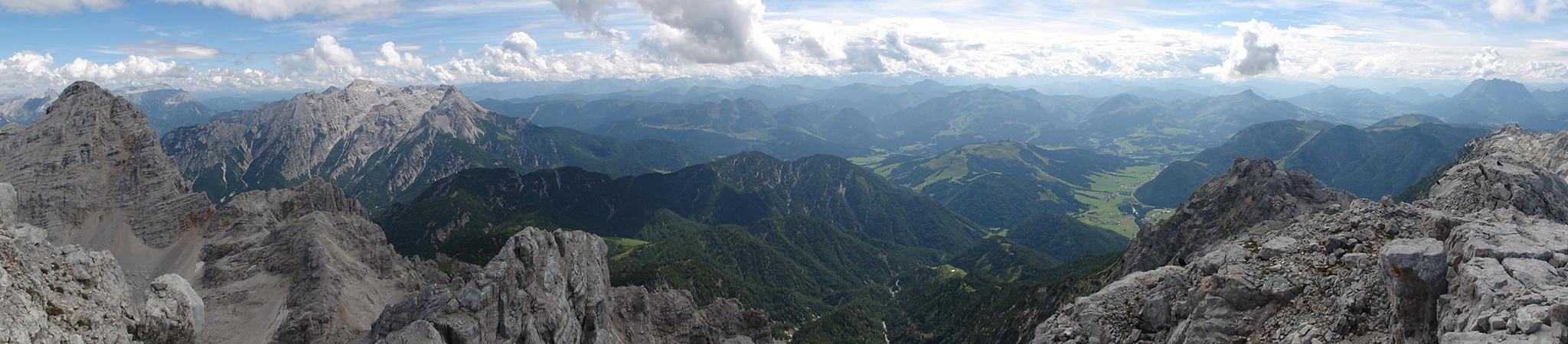 Arnoweg: Ausblick vom Großen Reifhorn (2488 m) Richtung Tirol