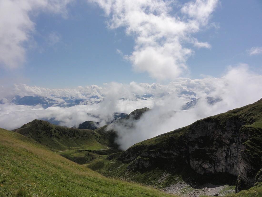 Arnoweg: Blick Richtung Südosten nach Mühlbach/Dienten und Teilen des Alpenhauptkamms