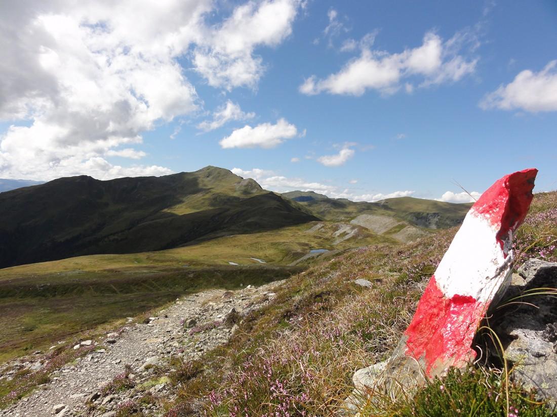 Arnoweg: Die Weitläufigkeit und der Ausblick entlang der 15. Etappe des Arnowegs am Pinzgauer Spaziergang ist beeindruckend.