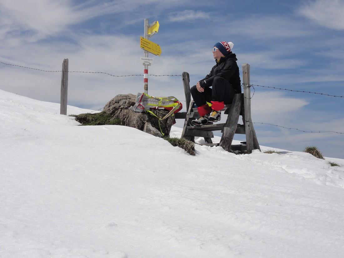 Arnoweg: Pause am Steinfeldjoch