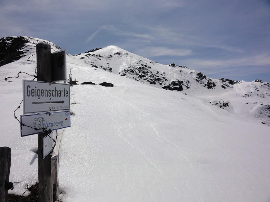 Arnoweg: Von der Herrensteigscharte ging es durch tiefen Schnee zur Geigenscharte.