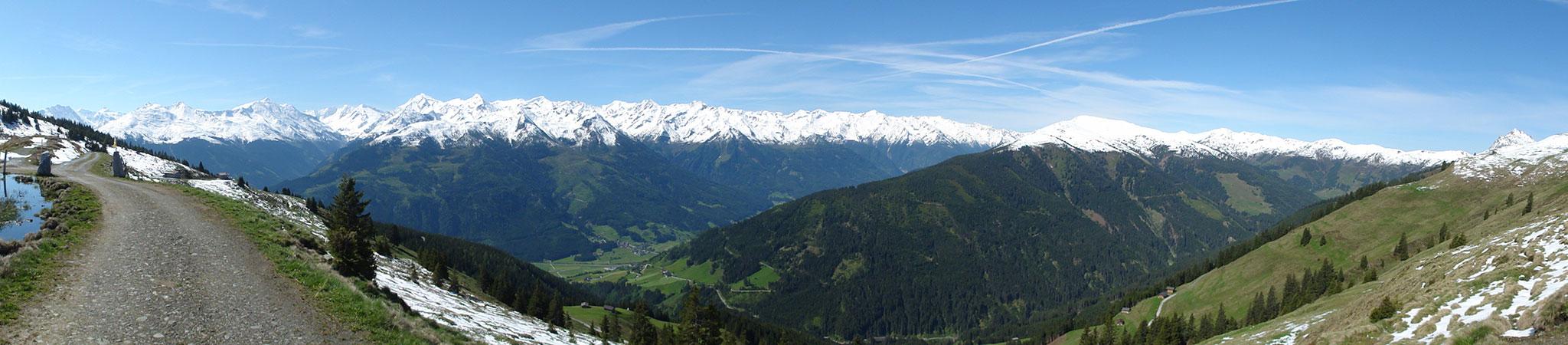 Arnoweg: Zunächst war der Panoramaweg noch schneefrei.