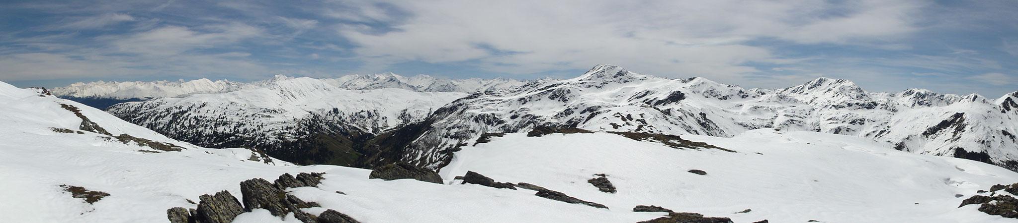 Arnoweg: Richtung Herrensteigscharte forderte der tiefe Schnee viel Kraft.