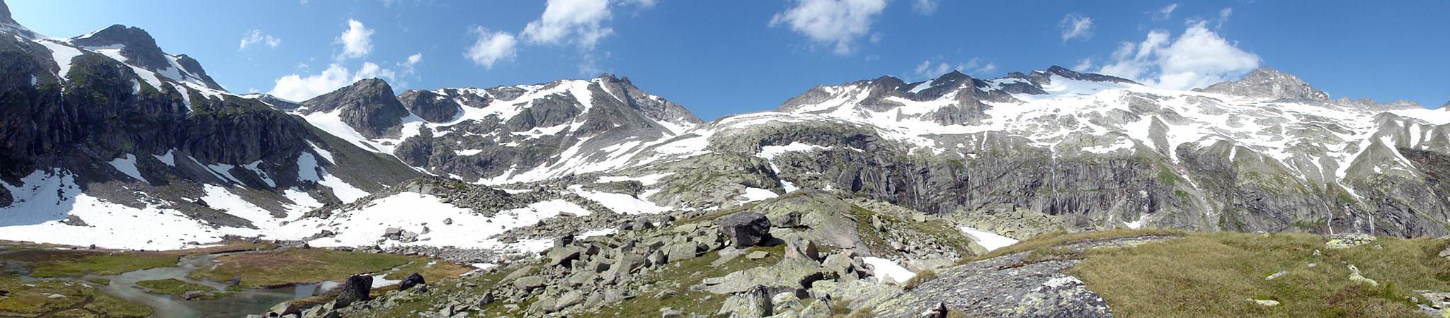 Arnoweg: Schändlasee links im Vordergrund & Granatscharte rechts zwischen Stubacher Sonnblick und Granatspitze