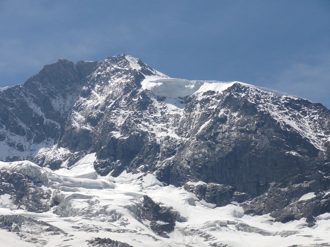 Arnoweg: Imposante Gletscherbrüche zieren die Dreiherrenspitze.