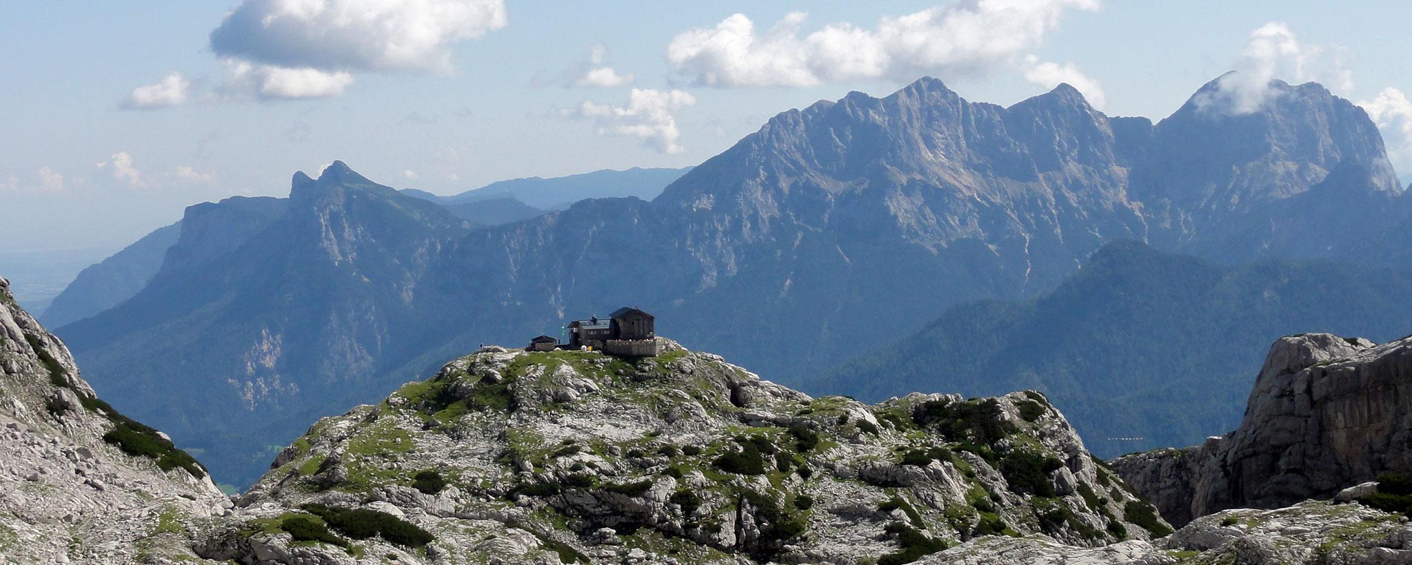 Arnoweg: Die Schmidt-Zabierow-Hütte in den Loferer Steinbergen