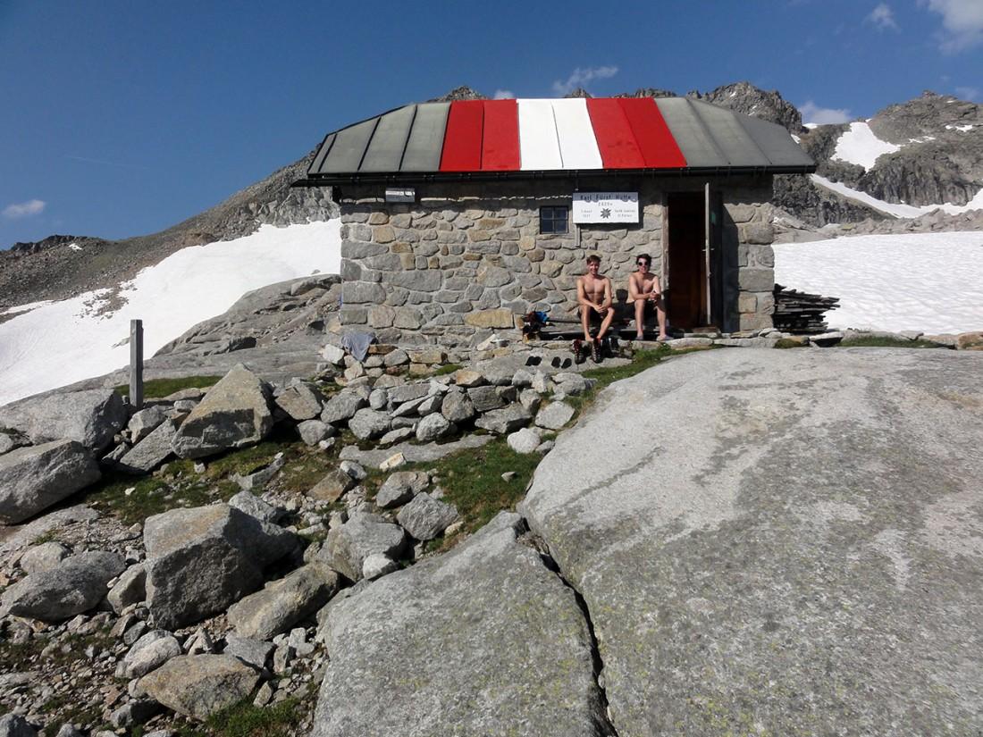 Arnoweg: Nach über 11 Stunden endlich am Ziel: die Karl-Fürst-Hütte