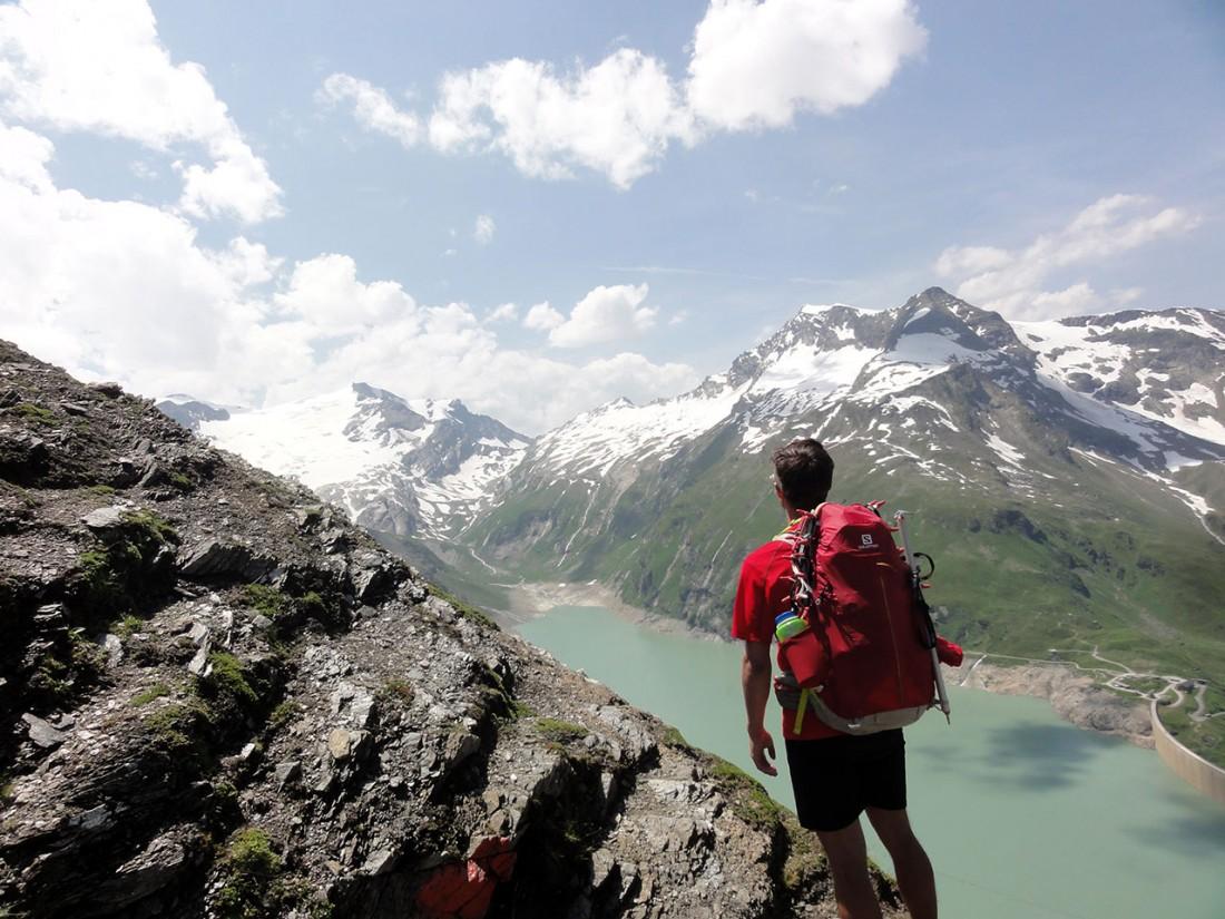 Arnoweg: Beim Aufstieg genießt man eine herrliche Aussicht über die Speicherseen und zurück zum Kapruner Törl.