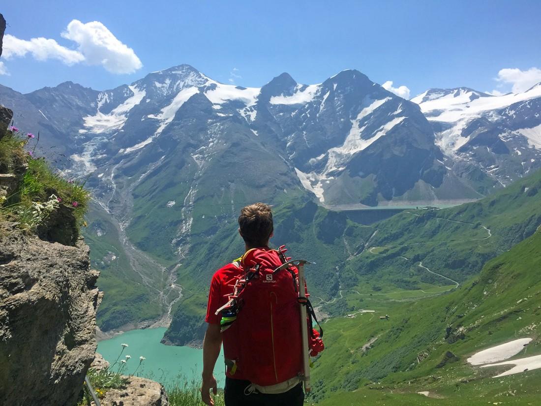 Arnoweg: Blick zurück auf das Große Wiesbachhorn, Bratschenkopf und Klockerin