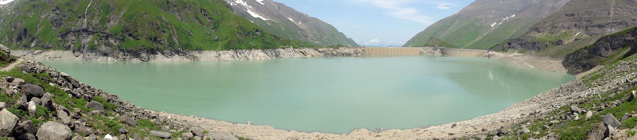 Arnoweg: Der Speicher des Stausees Mooserboden fasst bis zu 84 Mio. Kubikmeter Wasser.