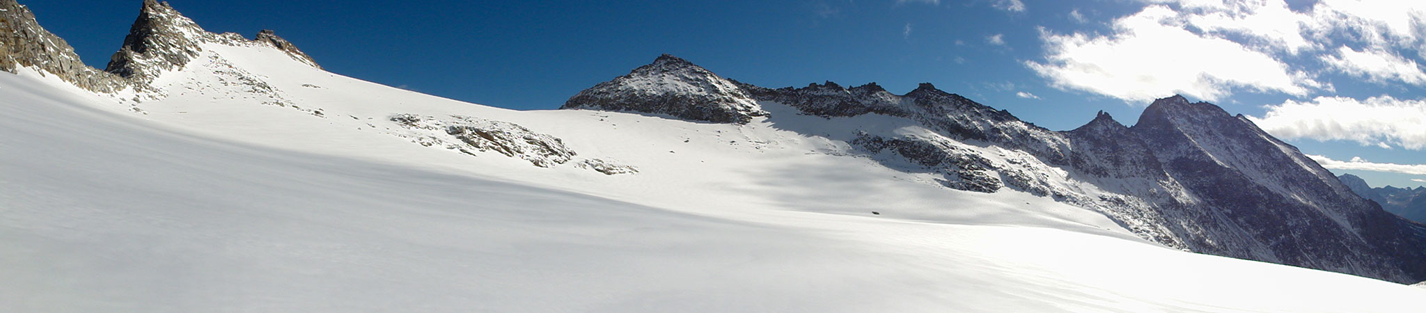Arnoweg: Panorama des kleinen Fleißkees unter dem Hohen Sonnblick und Goldbergspitze