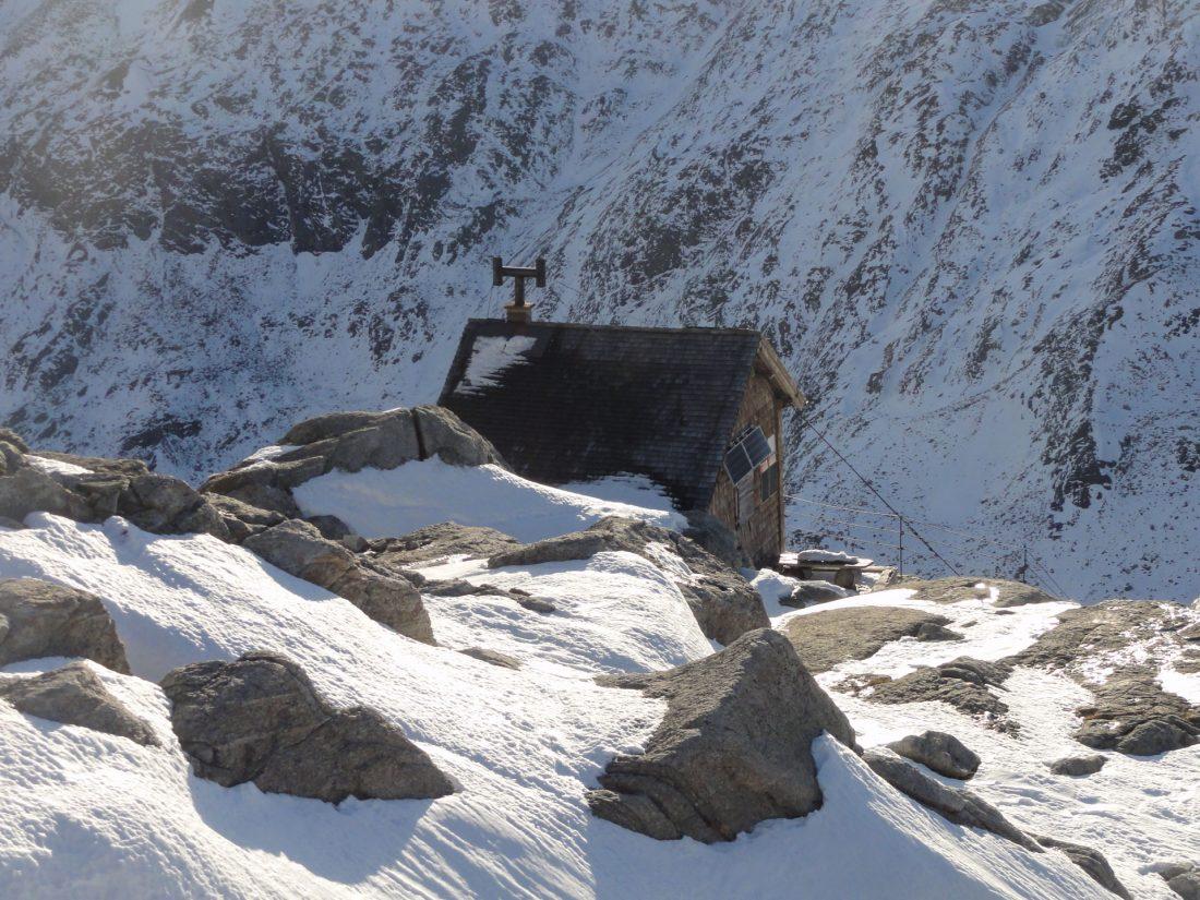 Arnoweg: Die Rojacher Hütte auf 2.718 m ist einer der kleinsten Hütten des Alpenvereins