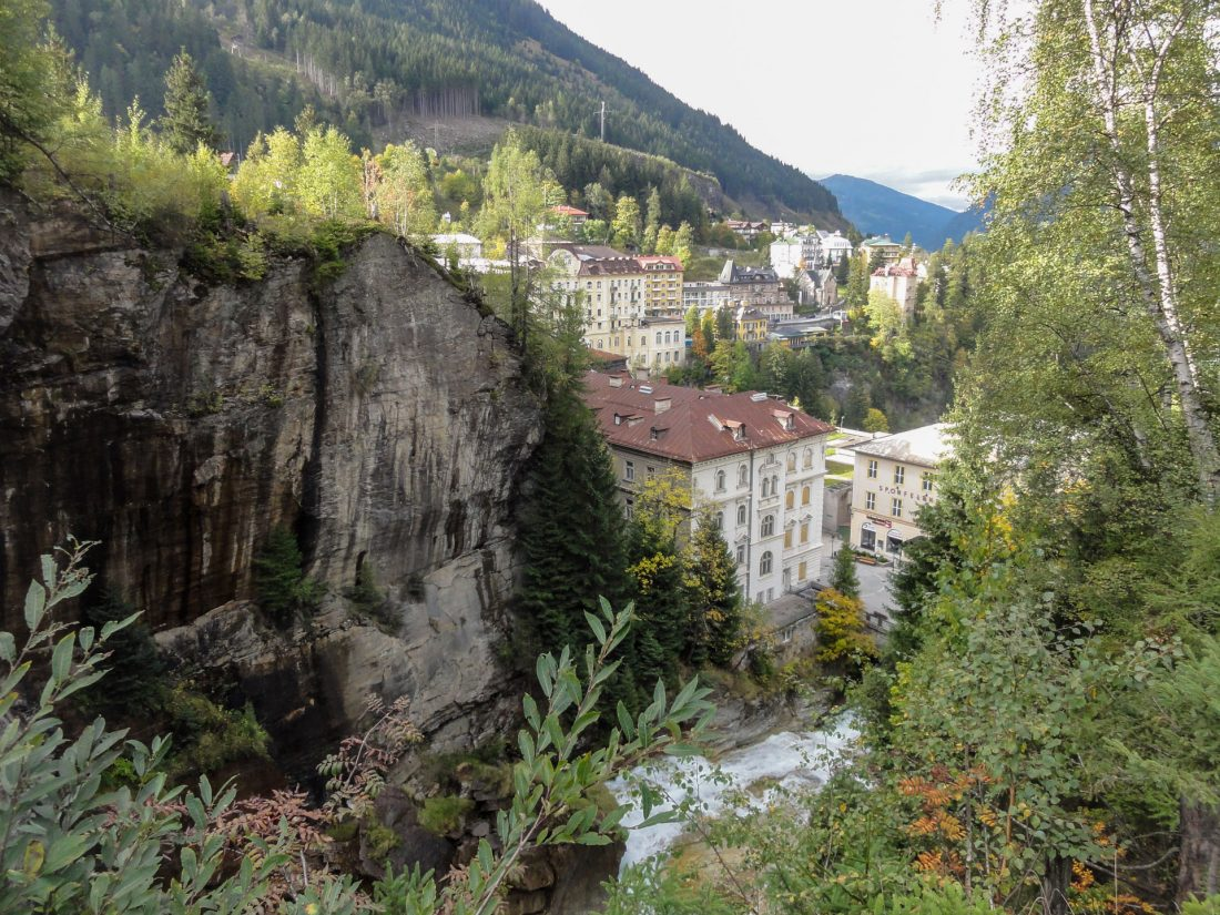 Arnoweg: Das Ziel vor Augen: Der Wasserfall in Bad Gastein
