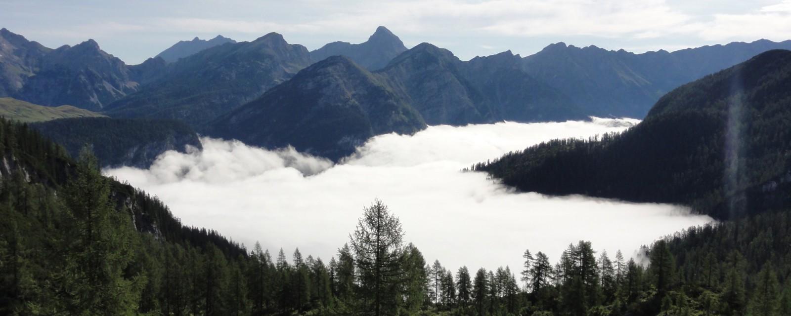 Arnoweg: Wolkenmeer über dem Saalachtal