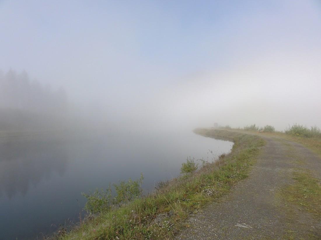 Arnoweg: Herrliche Morgenstimmung am Ende des Wolkenmeeres auf der Schmittenhöhe
