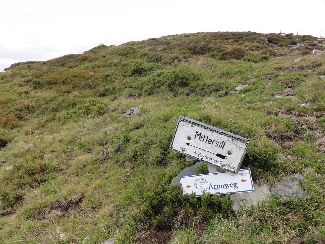 Arnoweg: Ab der Rosswegscharte beginnt der Abstieg nach Mittersill.