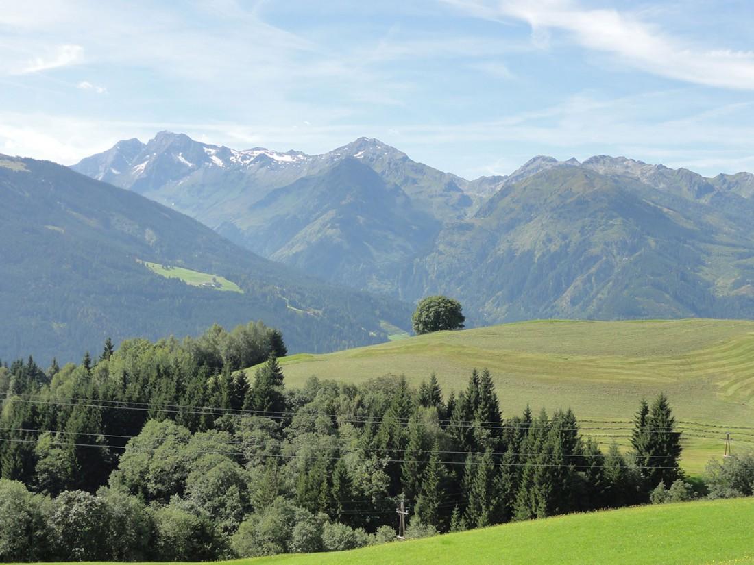 Arnoweg: Über schöne Terrassen geht es zum Pass Thurn hinauf.