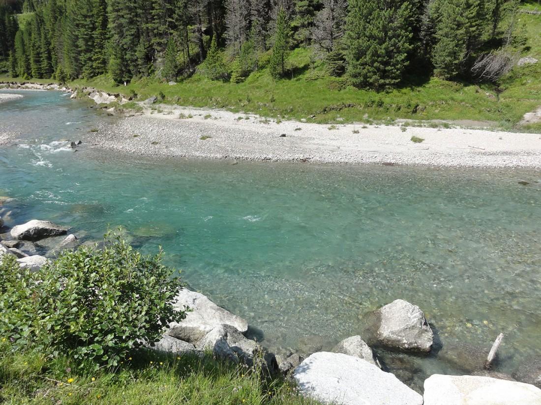 Arnoweg: Glasklares Bergwasser