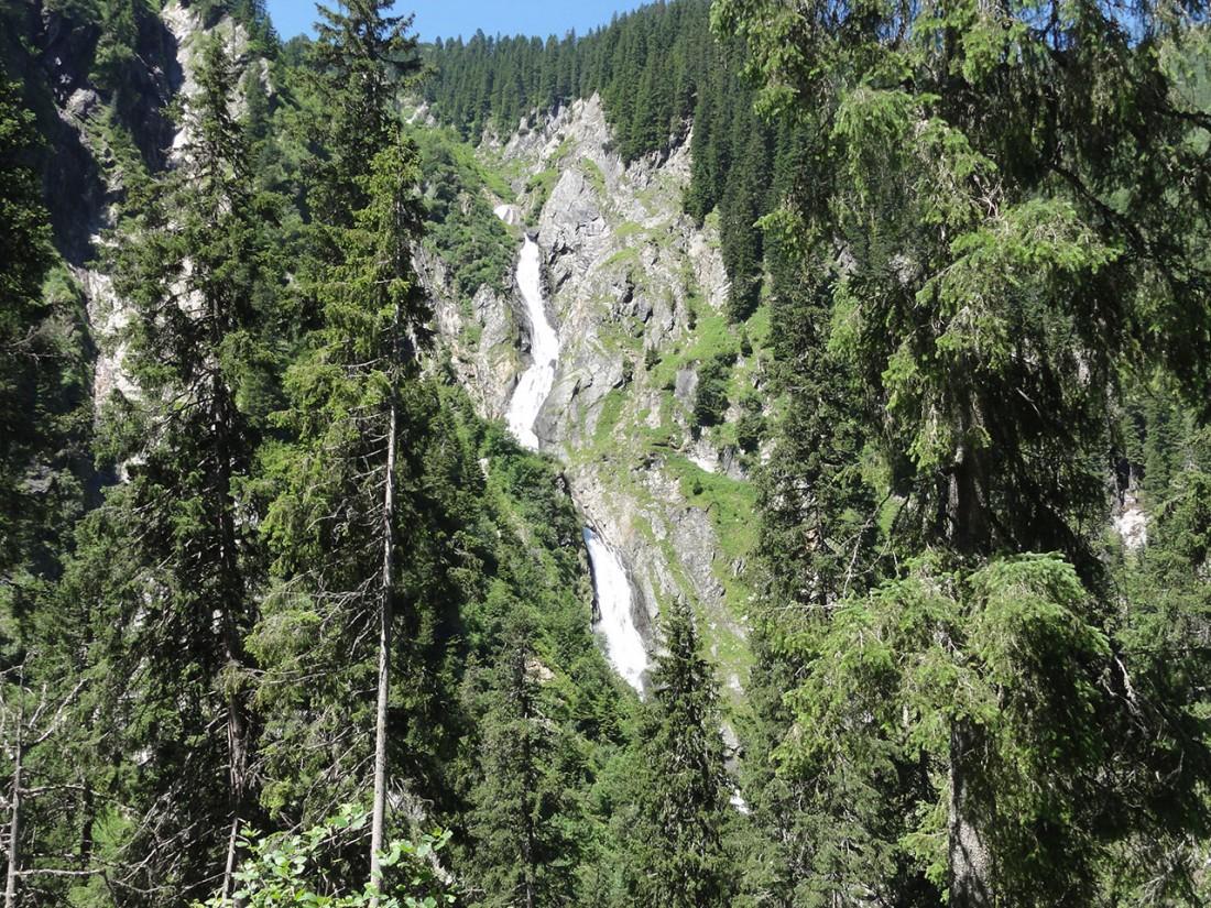 Arnoweg: Der 300 m hohe Schleierfall des Seebachs