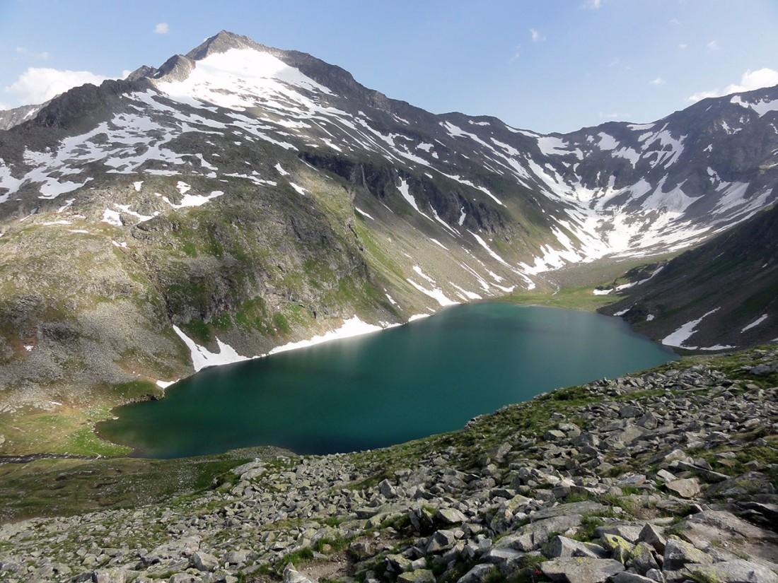 Arnoweg: Der schöne Kratzenbergsee unter dem Abretterkopf