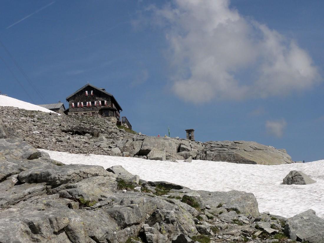 Arnoweg: Die St. Pöltner Hütte am Felbertauern
