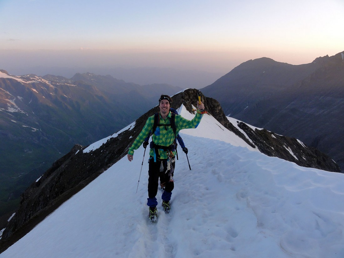 Arnoweg: Manuel ist schon motiviert für den Gipfelsturm.