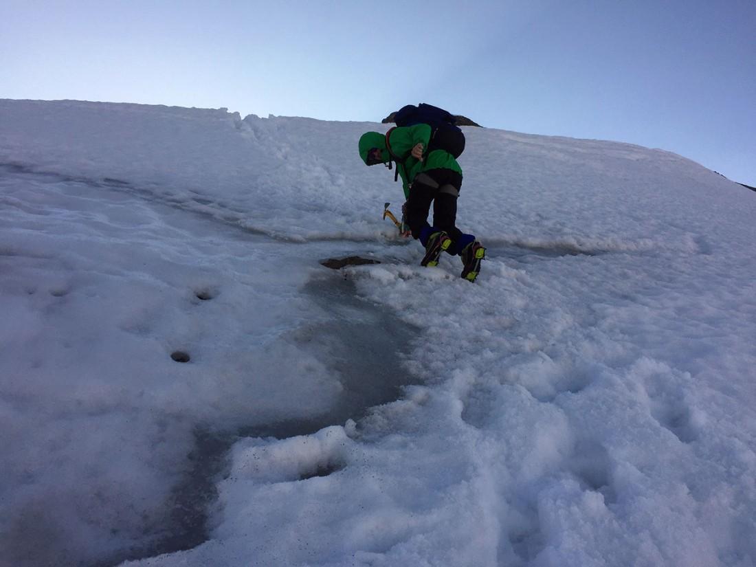 Arnoweg: Vereister Abstieg über den Kaindlgrat