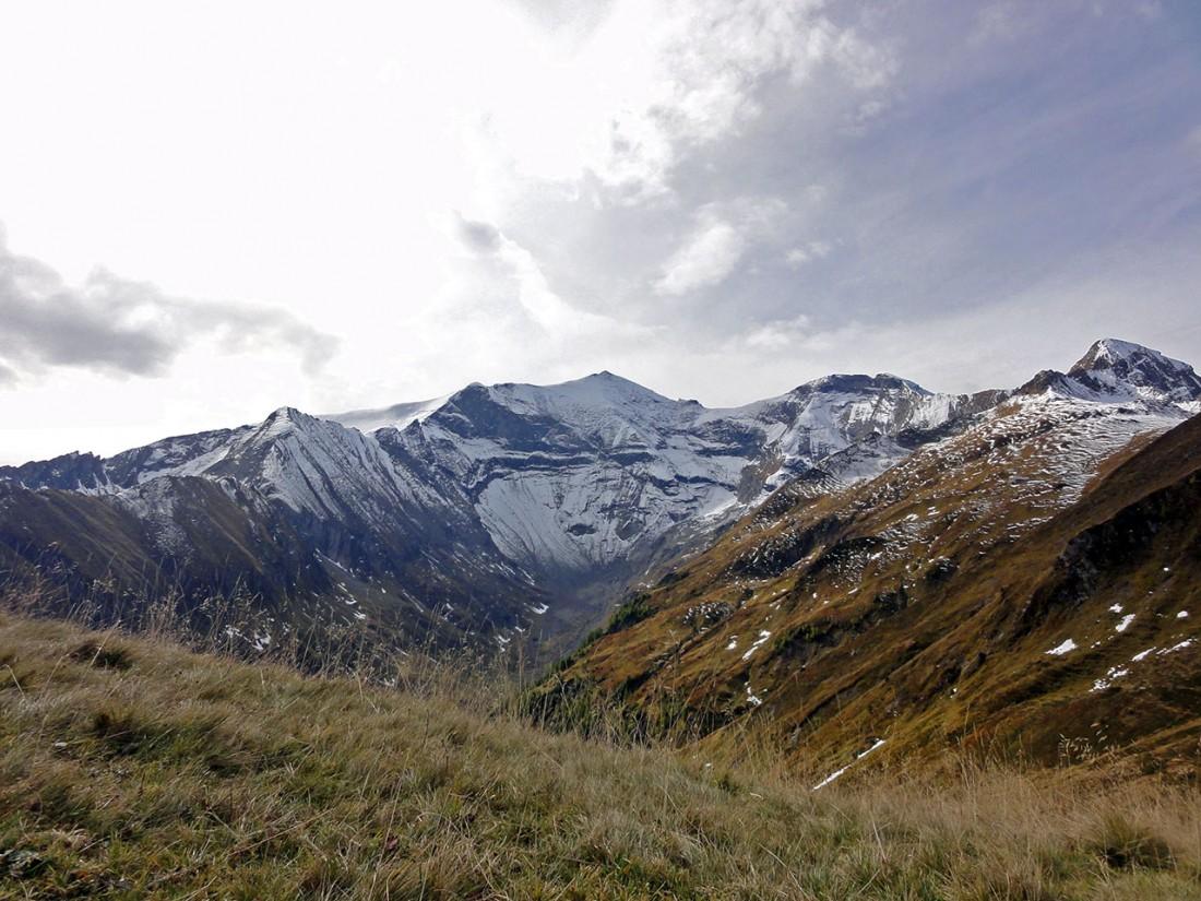 Arnoweg: Ständig im Blick: der Hohe Tenn