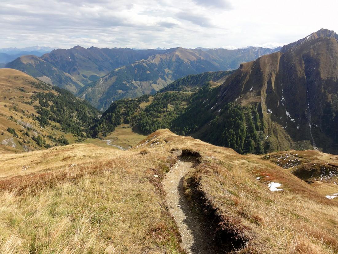 Arnoweg: Der wunderschöne Abstieg zur Hirzbachalm