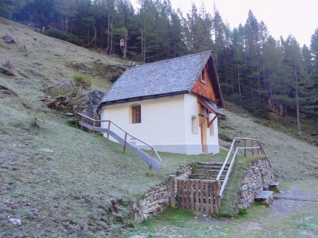 Arnoweg: Die Briccius-Kapelle