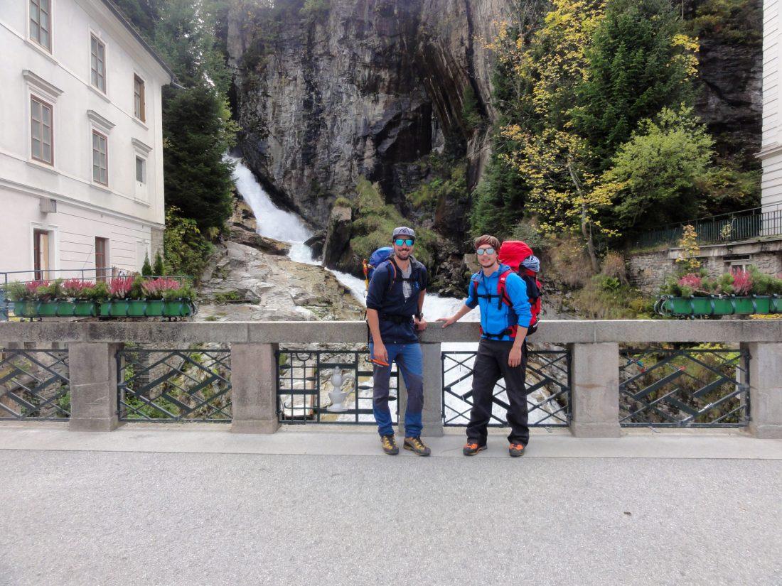Arnoweg: Nach 19 km, 2750 hm Abstieg und 600 hm Gegenanstieg ist die 33. Etappe nach fast 9 Stunden geschafft.